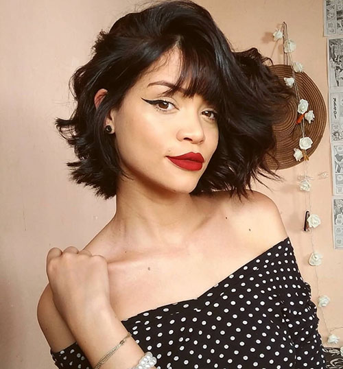Newest Short Wavy Hairstyle With Bangs