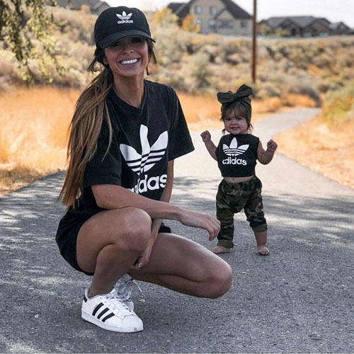 Cute Mommy And Daughter Matching Outfits